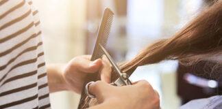 Zadbane wyprostowane włosy